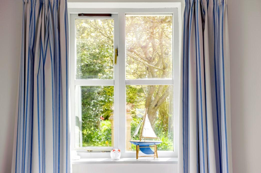 Window to the garden in the Ocean Bedroom
